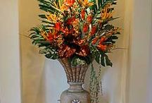 Floral Settings / Beautiful floral arrangements that will announce your business and guarantee a stunning ever important first impression