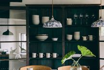 DARK KITCHEN STYLE / Dark colours have been and remain a key trend for kitchen decor. Greys, blacks, dark blues and greens are inspiring us. Mixing them with accent colours like millennial pink and metallics to make home decor really pop is more popular than ever.