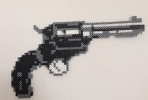 Beading: weave Pistol