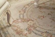 A Romantic Aubusson Rug / Read related post at http://www.aheadfullofpin.com/2016/05/un-romantico-tappeto-aubusson.html