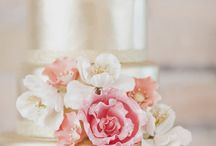 Wedding Cakes & Sweets / wedding cake, cupcakes, treats, favors, pies, cookies, & sweets #alenaswanson #weddingplanner #weddingindustryexpert