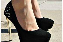 sapatos lindos de salto que minha mãe não deixa
