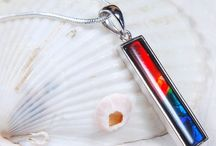 Color Play Pendants / Pendants with Gemstone that Play with Color