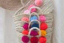 WE LOVE STRAWBAGS / Strohtaschen, Basttaschen und Körbe sind in diesem Sommer total angesagt. Zum Glück gibt es auf Mallorca viele Händler, die diese Taschen anbieten.
