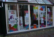 Etalage voor Ixta Noa / Een aantrekkelijke etalage voor Ixta Noa, ingericht door het team van het Etalageproject in Leeuwarden