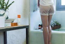 Cosmética Natural / Limpieza y tratamientos para la piel, jabones artesanales, cremas, serums, tintes y champús para el pelo, geles de baño... ¡Hasta crema solar! Acércate a nuestra sección de cosmética natural en nuestras tiendas :)