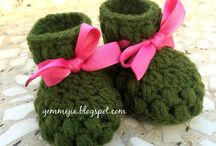 Puff Stitch Baby Booties