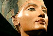 Arte Egípcia / Arte egípcia antiga refere-se ao estilo de pintura, escultura, artesanato e arquitetura desenvolvida pela civilização no Nilo vale mais baixo de 5000 aC a 300 dC. arte egípcia antiga foi expressa em pinturas e esculturas; era ao…