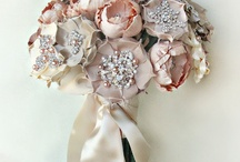 Brooch bouquets - pink