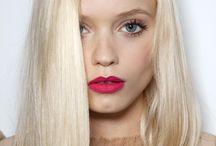 Hair / Platinum blonde