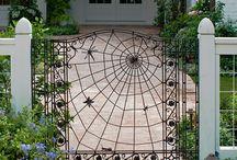gate art