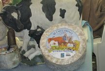 #Quesos #Asturias / Asturias es la región con más variedad de quesos del Norte de España y conforma la mayor mancha quesera de Europa.