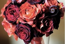 Florists For Your Destination Maine Wedding / Our florists from all over the state understand your dreams, and go above and beyond expectations to turn your dreams into reality! Whether you need one wedding bouquet or bouquets for your entire wedding party, they are eager and excited about planning this special day with you.