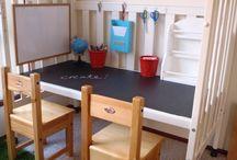 altes gitterbett rollen tafelfarbe kinderzimmer spieltisch