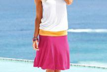 Šaty pro každou postavu / Je nejvyšší čas odhodit dlouhé kalhoty, svetry a bundy a vyrazit ve stylových šatech. Ať už se chystáte do práce, na kávu s kamarádkou nebo na pláž, šaty jsou tím ideálním kouskem oblečení. V naší nabídce najdete mini i maxi, jednobarevné i s potiskem, pro modelky i boubelky :-) Stačí si jen vybrat!
