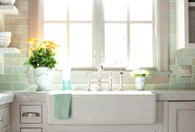 Kitchens / by Tiffany Walthall