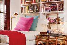 Curl up: cozy corners & windowseats / by Michelle Backer