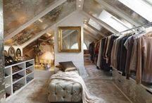 Walk inn closet/vanity corner