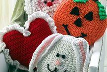 Crochet/knit pillows