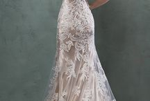 Weddings, Dresses and all lace.....WHERE??!!! / Wedding dresses in all formats especially lace but WEAR or WHERE??....!!!!