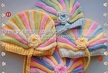 Háčkované kloboučky pro miminka