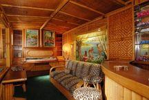 Tiki Bars, Tropical & Hawaiiana