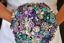 Vintage Jewelry ideas / Creative ideas using vintage jewelry / by Julie Lowe