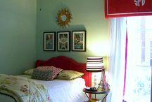 The girl's bedroom's
