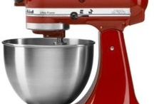 Red & Black Kitchen Inspiration / Ideas for Pizzeria inspired kitchen