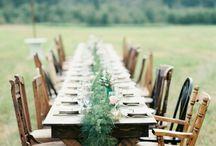 Svadobná hostina / svadobná hostina, výzdoba svadobnej sály, kvetinové dekorácie, savdobné stoly a stoličky