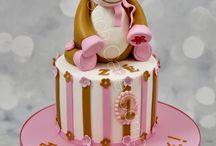 Gâteaux d'anniversaire décorés Noukies - Noukies birthday cakes / De jolis gâteaux d'annviersaire personnalisés avec tous les doudous de chez Noukies Cute personnalised cakes with soft toys theme from Noukies