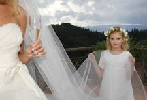 Flower Girls / These flower girls are so cute. We love these lovely pictures!