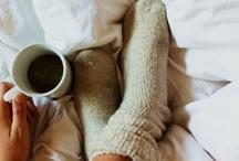 A cup of cappuccino, please! / Café, capuccino, chocolate e cobertas.