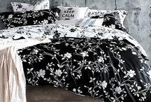 Moxie Vines - Black and White
