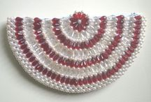Amazing Beaded Bag / The fusion of attractive colors and unique designs makes our ladies beaded bags a hit in the markets across the globe.