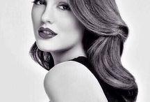 Leighton Meester **Queen B**