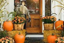 Thanksgiving/Fall Outdoor Decor / Outdoor decorating ideas for the fall and thanksgiving.