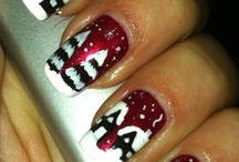 holiday nails / by Diana Large Franklin
