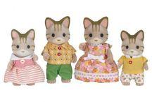 Sylvanian Families Rodzina Pręgowanych Kotków / Wyjątkowe zabawki dla dzieci marki Sylvanian Families