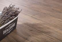 Porcelain tiles imitation wood / Dlažba slinutá porcelánová rektifikovaná o rozměru 193x1202x10 mm, dekorem dřeva. 1. jakost.