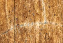 Remove scratches and damage marks from foors and sevises