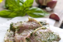 Braai Herbs / Using herbs to marinade meat, add flavor to bread, dips, spread and salads.