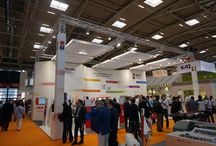 FESPA Digital Munich 2014 / At the largest #FESPA Digital show so far, #Marabu showed his versatile competence in digital printing. In particular, the wide portfolio of UV-curable, solvent and water-based inkjet inks was convincing, including new metallic colour shades and a smart alternative ink for Océ Arizona and Fujifilm Acuity. Outstanding interest was focused on the new Marashield UV-CGL colour shades for printing on glass surfaces using roller coating technology.