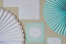 Biało-błękitny ślub w kropki / kolory: biały, błękitny, miętowy motyw: kropki, rozety wykonanie i zdjęcia: minwedding