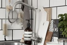 Kitchen / by Julia Thielen