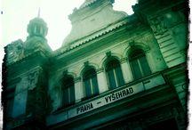 Praha / Někdy stačí jen zvednout hlavu, aby člověk viděl něco neobyčejného na místech, kterými chodí už léta...