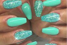 Nails - Green/Yellow
