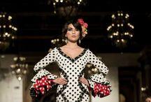We love Flamenco 2017. Moda Flamenca / We Love Flamenco 2017 celebra su quinto aniversario con seis días dedicados a la Moda Flamenca que tendrán lugar del 12 al 17 de enero en el Hotel Alfonso XIII de Sevilla. La pasarela hispalense vuelve a abrir la temporada de moda flamenca acogiendo la presentación de las últimas tendencias en trajes de flamenca y complementos de la mano de las principales firmas y diseñadores de toda Andalucía.