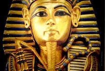 Walk like an Egyptian / by Stacey Coelho
