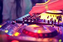 DJ, éclairage / Découvrez ici tous les DJ et prestataires d'éclairage référencés sur WED and CO !